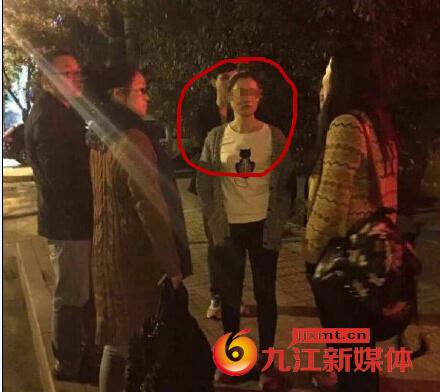 记者王平:被打导游.jpg